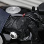 Review 10 Rekomendasi Sarung Tangan Motor Terbaik (Terbaru 2021)