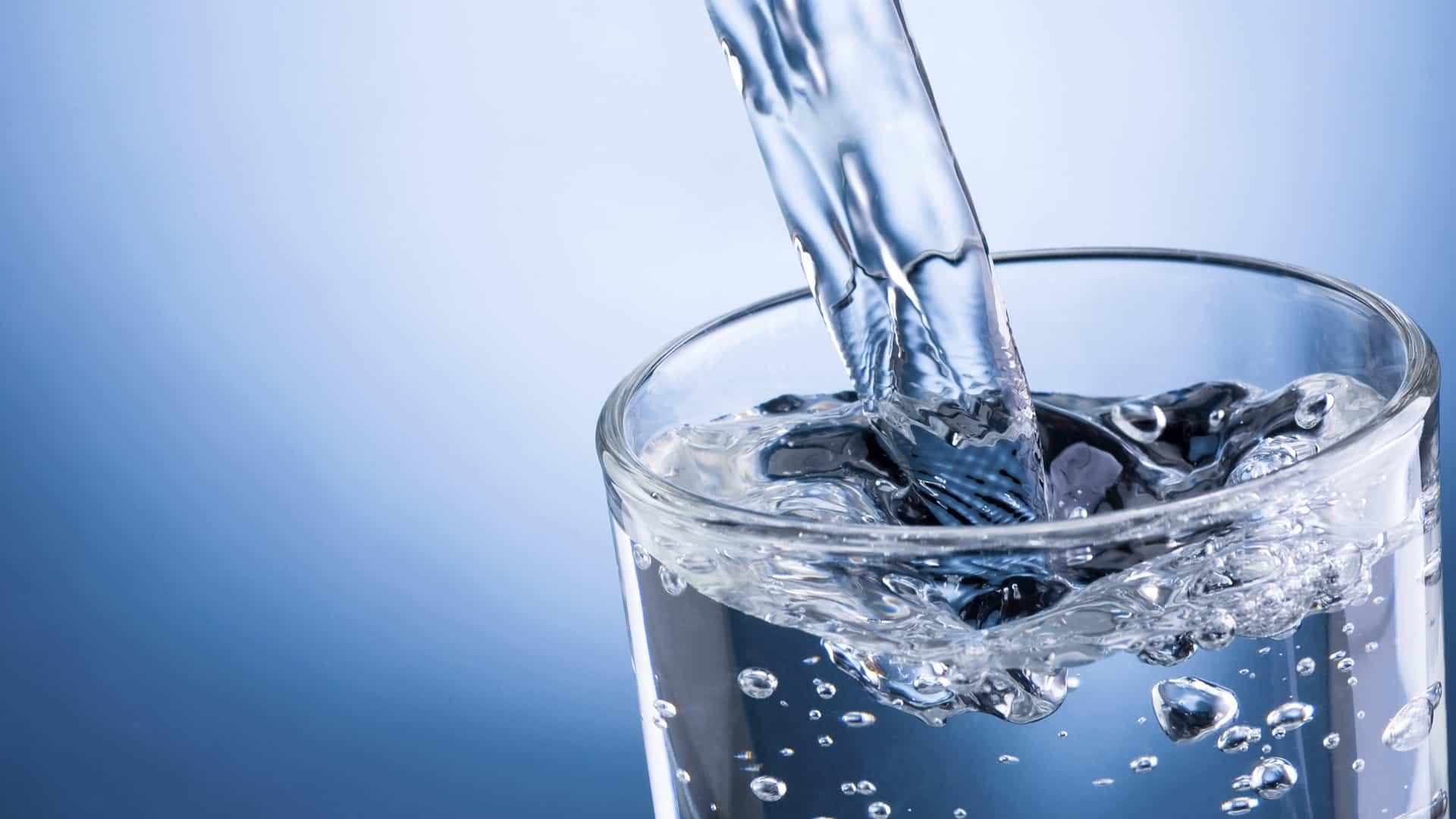 Gambar Ilustrasi Artikel Mineral Water Terbauj