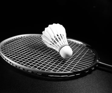 Gambar Ilustrasi Raket Badminton Terbaik