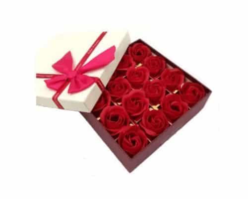 Hadiah ulang tahun untuk ibu Effie Flower Premium Red Rose