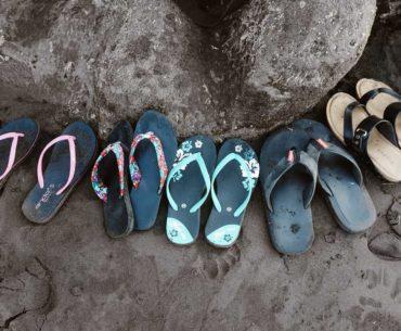 Gambar Ilustrasi Sandal Pantai