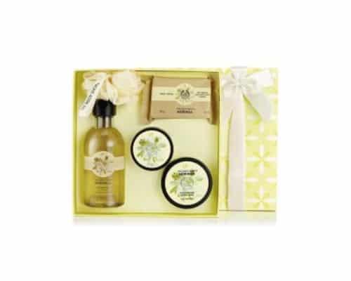 Hadiah ulang tahun untuk ibu The Body Shop Gift Small Moringa