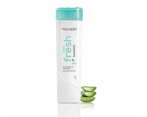 Shampo untuk Mengatasi Rambut Kering Wardah Daily Fresh Shampoo