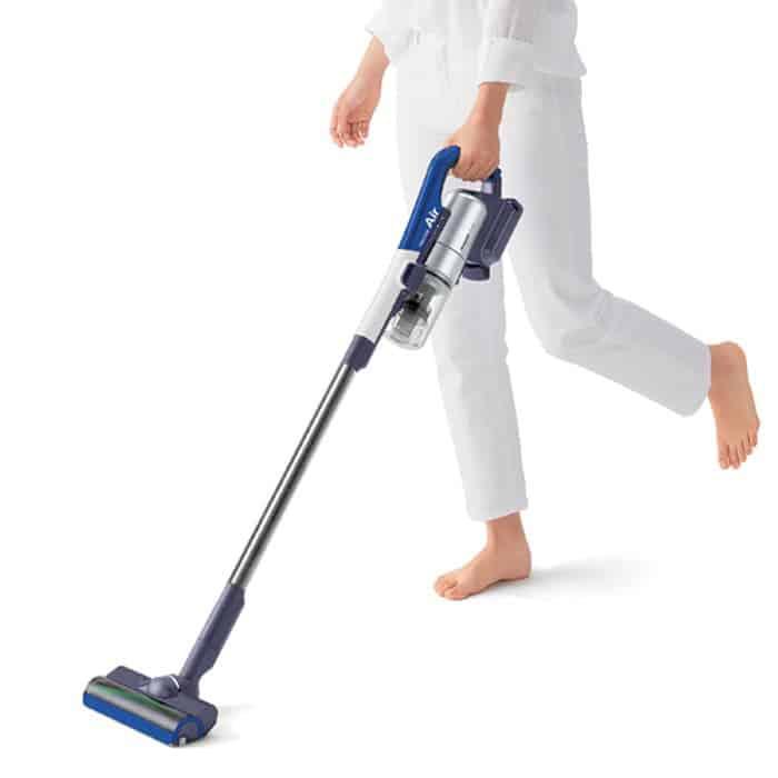 7. Vacuum Cleaner Sharp