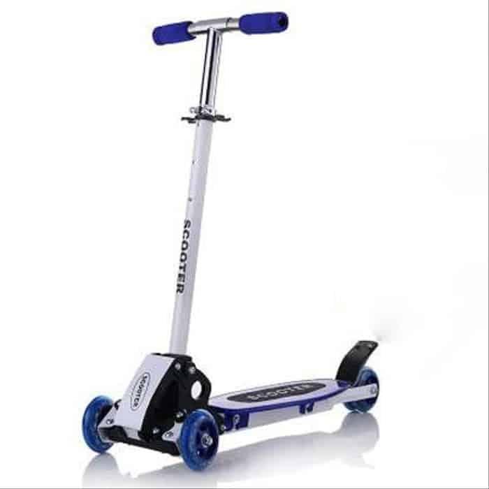 Hadiah Ulang Tahun untuk Anak Maxi Otoped Scooter Four Wheel