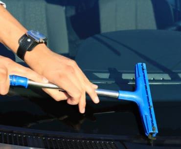 Cairan Pembersih Kaca Mobil Terbaik