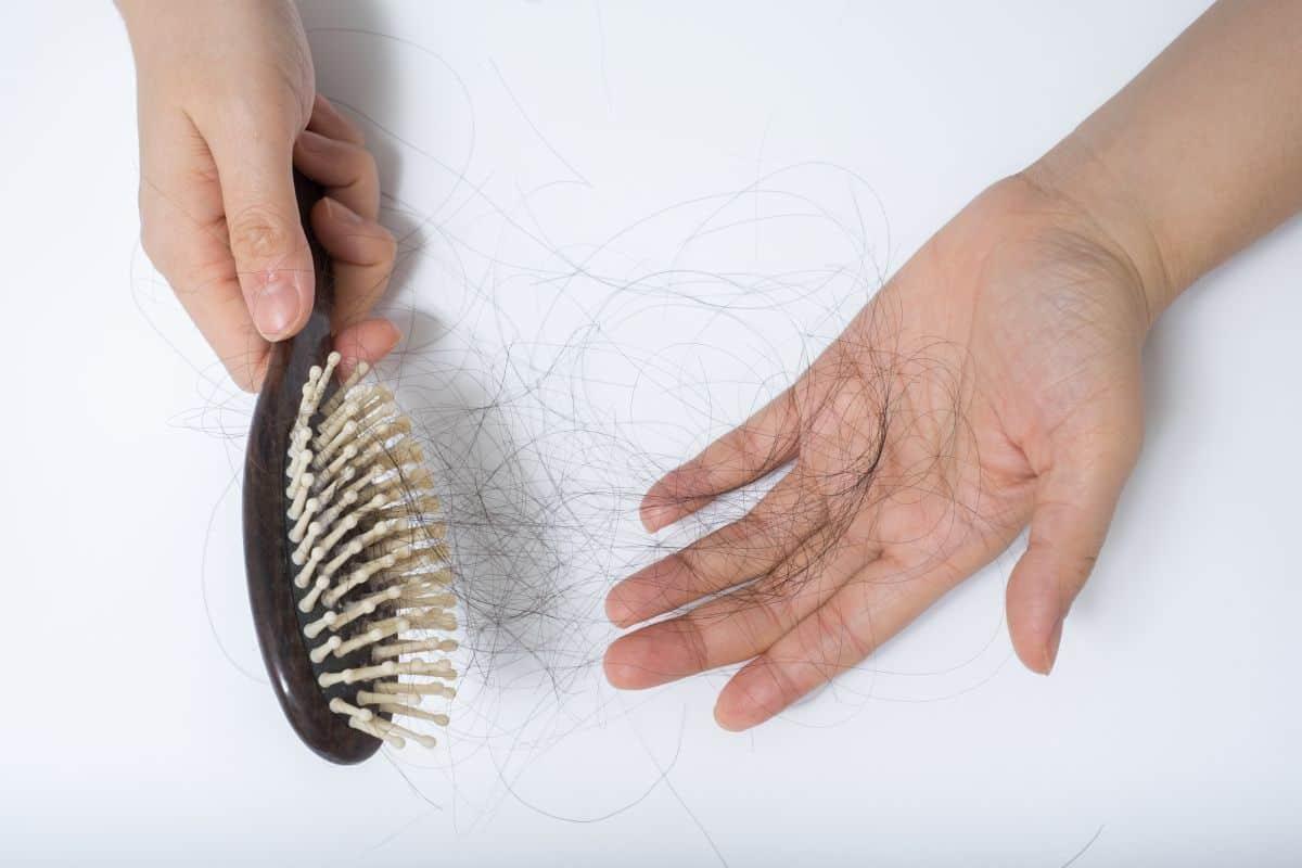 Vitamin untuk Mengatasi Rambut Rontok Terbaik
